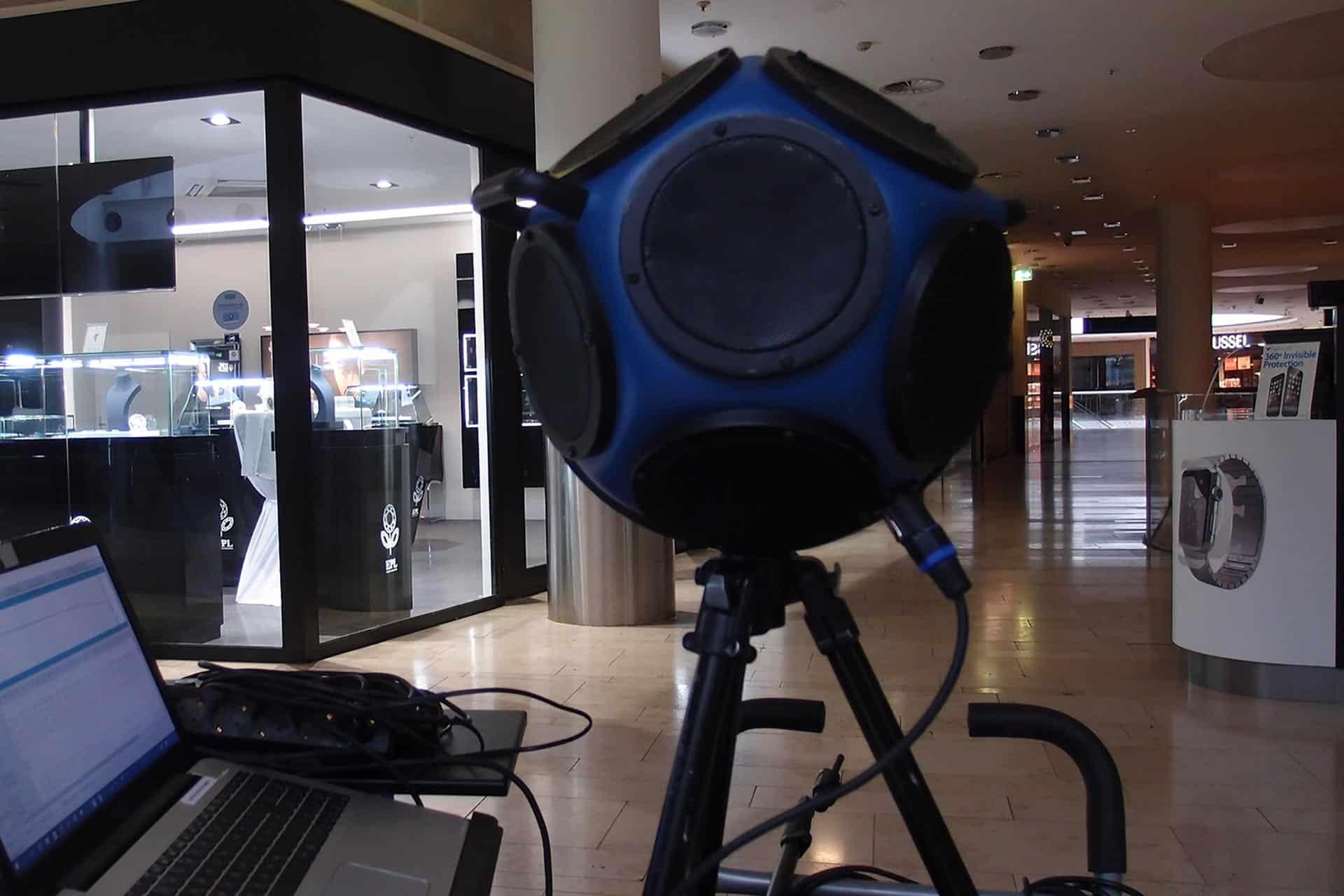 Unsere Ausstattung, Geräte zur Akustikmessung, Schallpegelmesser, Raumakustikanalyse, Aufnahme im Einkaufszentrum